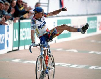 Parijs-Roubaix, foto Marketa Navratilova/Cor Vos ©2000 Johan Museeuw