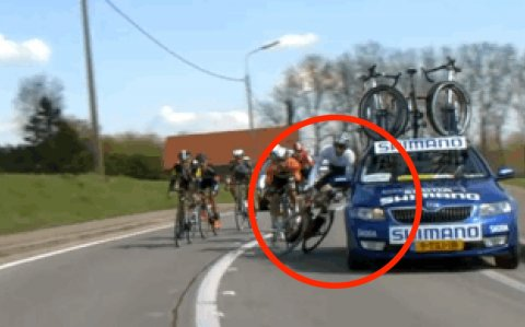 cyclist-crashed-by-cars-at-tour-of-flanders